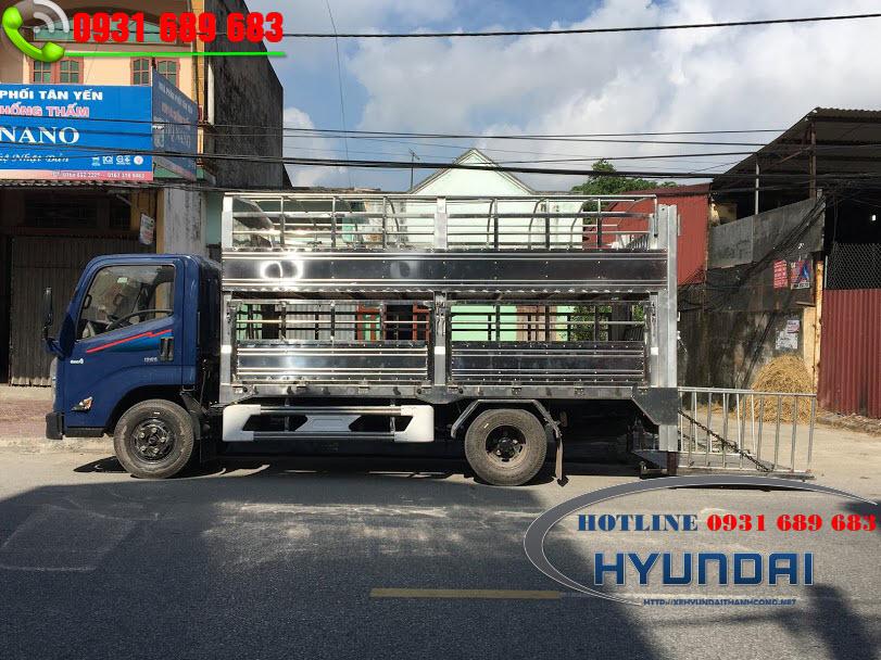xe tải IZ65 thùng chở lợn