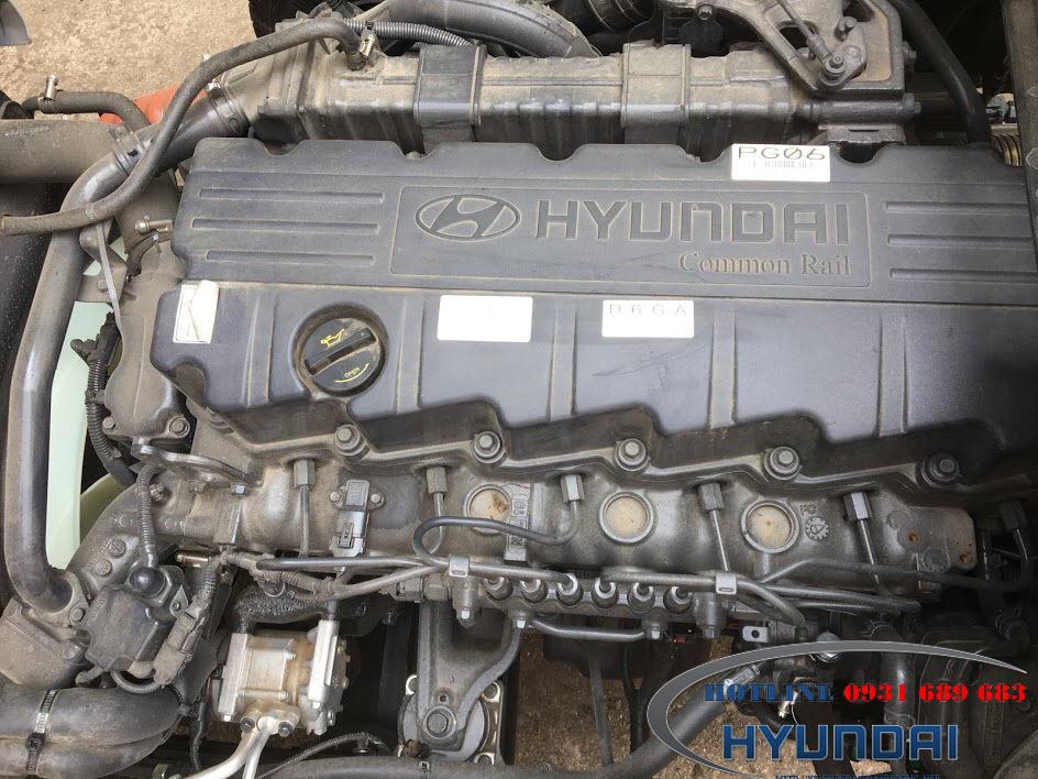 Động cơ Hyundai HD240