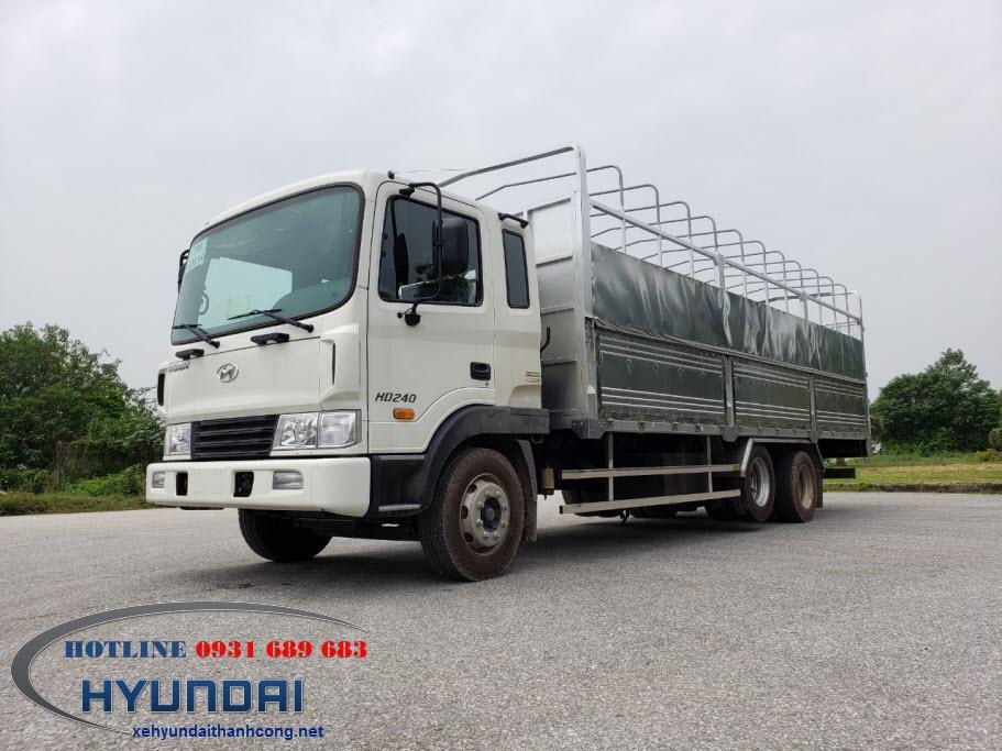Xe tải Hyundai HD240 thùng mui bạt
