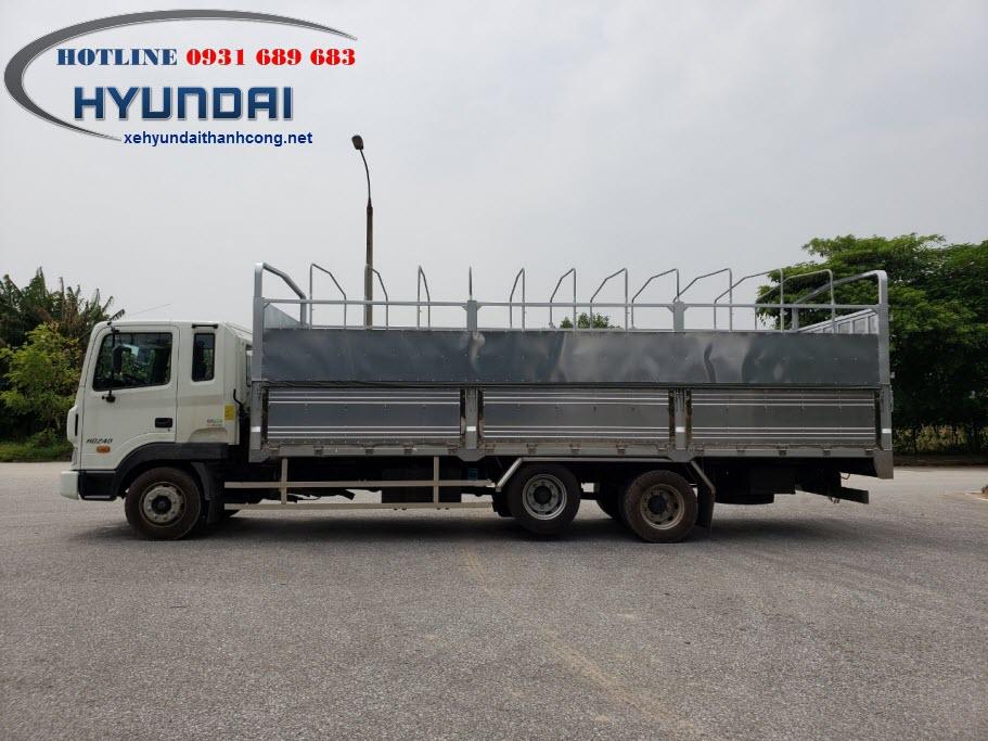 Xe tải Hyundai HD240 thùng bạt