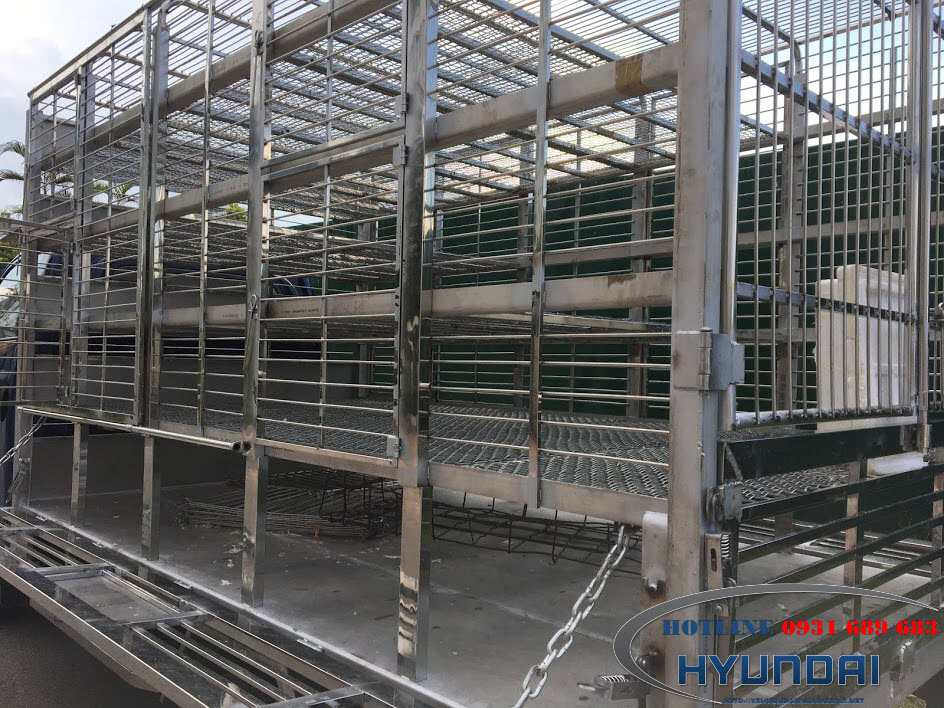 hyundai H150 thùng chở gà