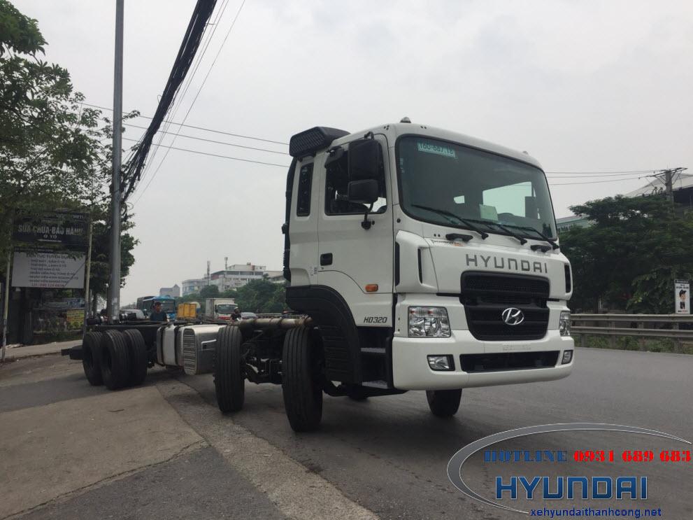 hyundai hd320