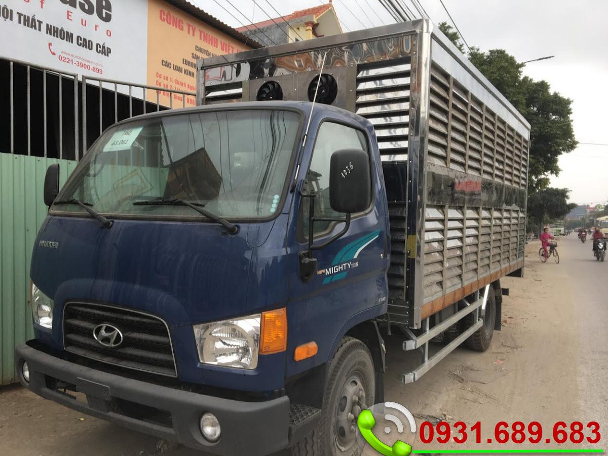 Hyundai 110S chở gia cầm