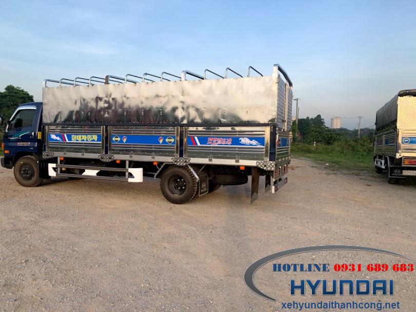 Hyundai 110SL thùng mui bạt