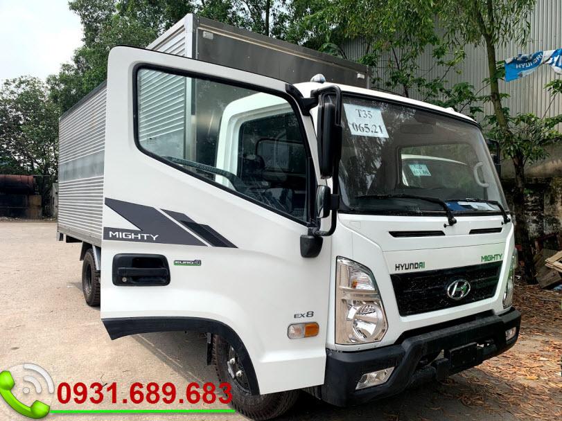 Hyundai EX8L thùng kín